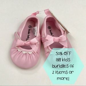 NWT Infant Girl Shoes - Size 2